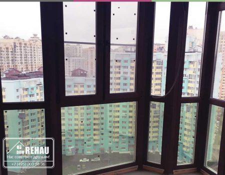 Остекление балкона в ламинации (цвете)